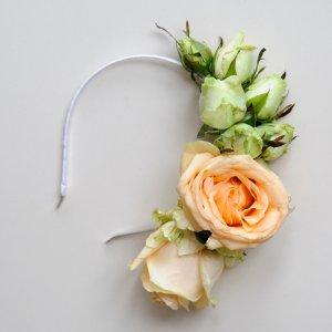 """Обруч невесты их живых персиковых и белых роз. """"Pion Bouton"""" - Киев."""