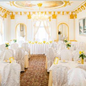 """Оформление зала ресторана """"Lavilia"""" в лимонном стиле. """"Pion Bouton"""" - Киев."""