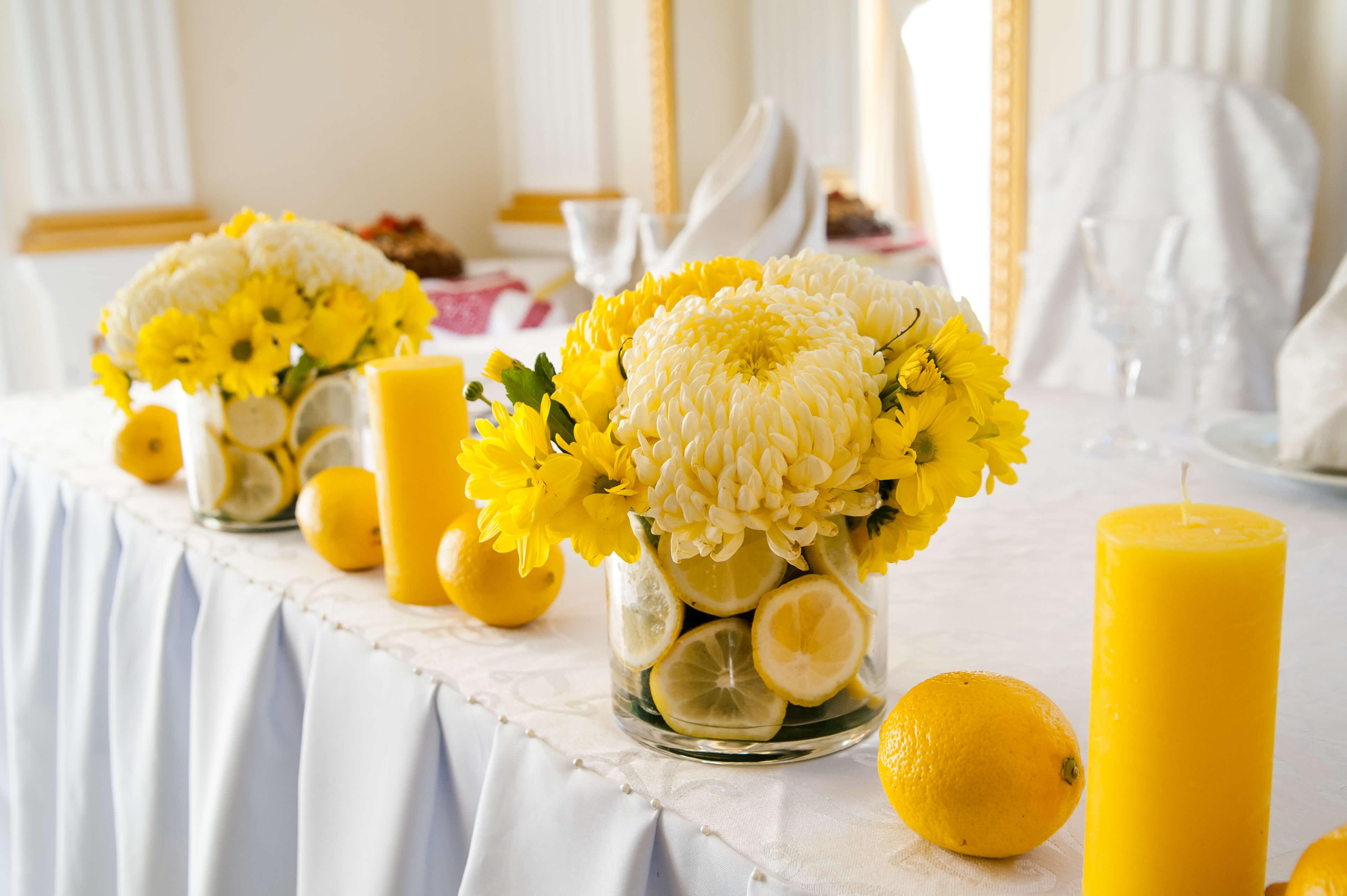 оформление стола молодых в лимонном стиле