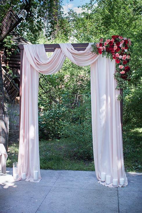 арка для выездной церемонии
