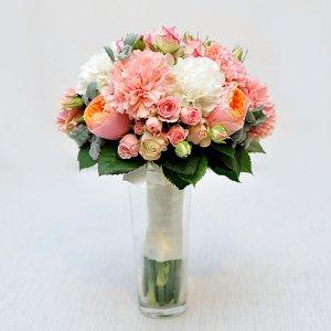 """Букет невесты из пионовидных роз """"Вувузела"""", кустовых роз, молочных и розовых гвоздик и стахиса. """"Pion Bouton"""" - Киев."""