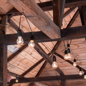 "Ретро гирлянда из лампочек накаливания 15 м 25 W под потолком ресторана. ""Pion Bouton"" - Киев."