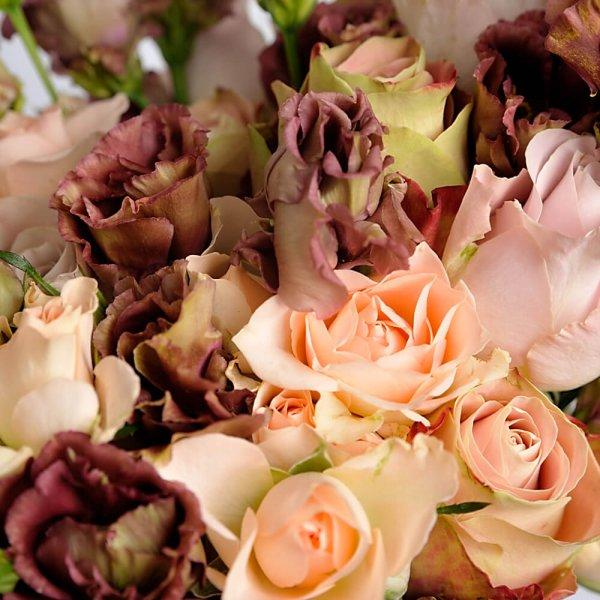 Розы и эустома в кофейном букете невесты - Pion Bouton, Киев.
