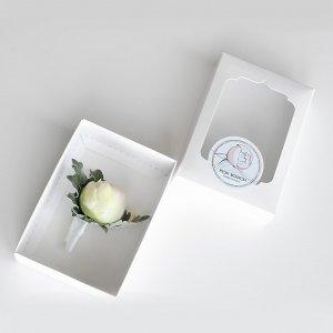 Бутоньерка жениха в подарочной коробке Pion Bouton