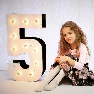 """Объемная большая светящаяся цифра """"5"""" с девочкой"""