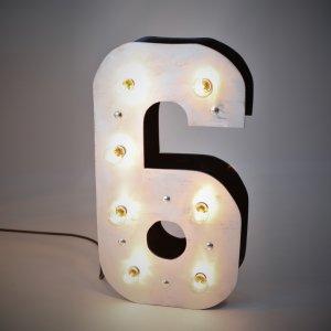 """Объемная цифра """"6"""" с светящимися лампочками"""