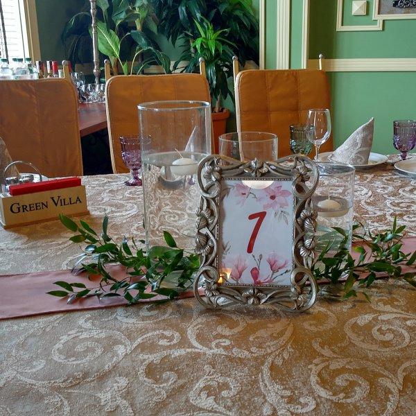 """Нумерация гостевых столов номерком в рамочке с цифрой """"1"""""""