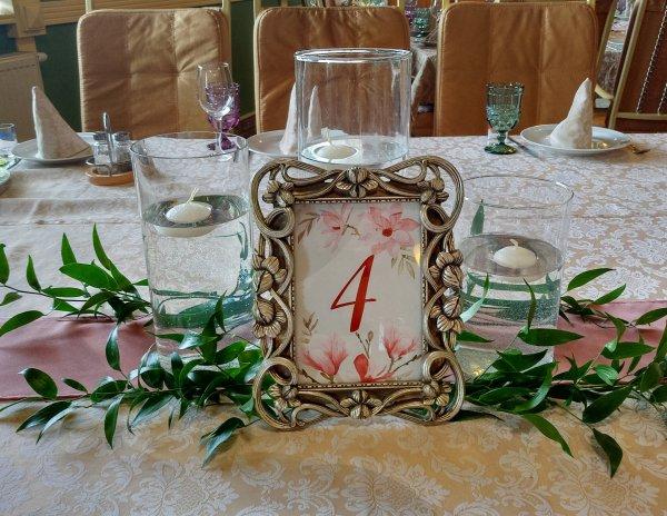 """Номерок для стола гостей с цифрой """"4"""""""