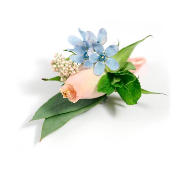 Бутоньерка жениха из розы, мяты, хамелациума, эвкалипта и озомантуса
