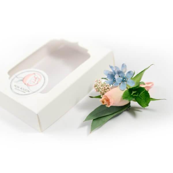 Бутоньерка жениха из розы и мяты с подарочной коробочкой