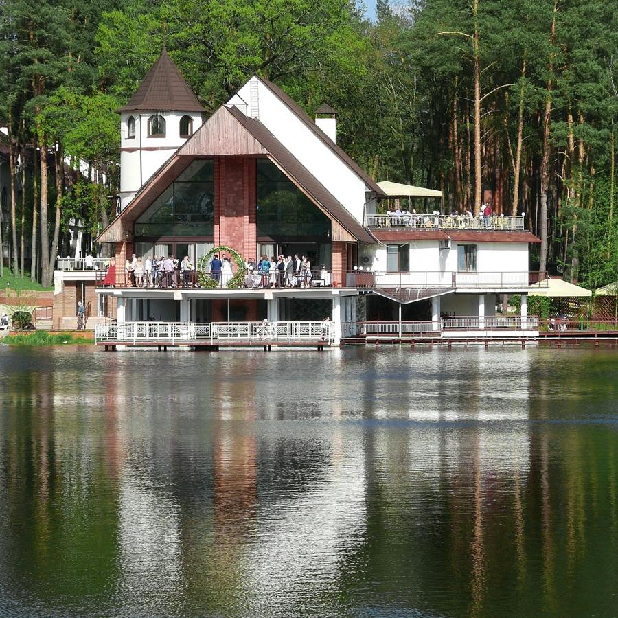 "Эко-ресторан на природе на берегу озера в листой часте парка ""Пуща водица"""